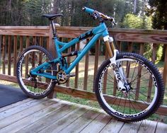 Turquoise gem Yeti SB-66 mountain bike