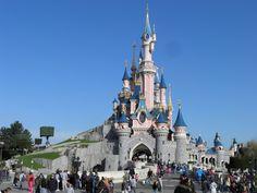 """Disneyland París inaugurará un espacio basado en """"Ratatouille"""" - http://vivirenelmundo.com/disneyland-paris-inaugurara-un-espacio-basado-en-ratatouille/3466"""