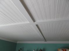 living a cottage life: Beadboard Ceiling -before and after, a diy makeover