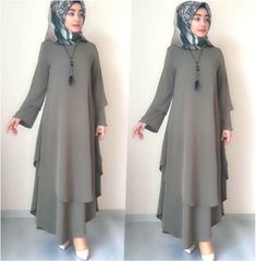 Image may contain: one or more people You are in the right place about Fashion design watercolor Here we offer you the most be. Most Beautiful Dresses, Nice Dresses, Casual Dresses, Muslim Women Fashion, Islamic Fashion, Abaya Fashion, Fashion Dresses, Dress Outfits, Habits Musulmans