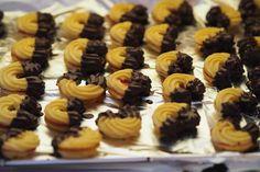 - Ginger in the Basement Cupcake Cookies, Mini Cupcakes, Christmas Cookies, Food Art, Digital Camera, Biscotti, Muffins, Bakery, Good Food
