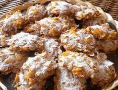 Biscotti con i Cornflakes, uvetta e pinoli