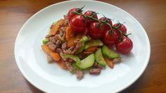 Uzená plec se zeleninou a opečenými cherry rajčátky - Powered by @ultimaterecipe