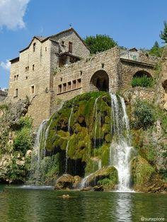 Beautiful Castles, Beautiful Places, Provence, Castles To Visit, Limousin, Medieval Town, France Travel, Paris, Places To Visit