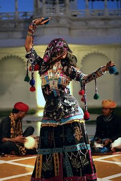 Lake Palace Hotel in Udaipur, India. Woman performing traditional dance common to Rajasthani region of India. /pstampe/tribal-dance/ BACK Female Dancers, Folk Dance, New Delhi, Belly Dancers, Folk Costume, Costumes, Bollywood Stars, Just Dance, World Cultures