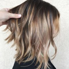 Choppy Bronde Balayage Lob dünnes Haar mittlere 70 Devastatingly Cool Haircuts for Thin Hair Haircuts For Fine Hair, Cool Haircuts, Hairstyles Haircuts, Haircut Thin Fine Hair, Haircut Long, Wedding Hairstyles, Middle Hairstyles, Trendy Hairstyles, Thin Fine Hair Hairstyles