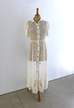 Vintage Donna Morgan for Maggy white lace button down by evaelena