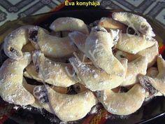 Szilvalekváros hókifli Christmas Cookies, French Toast, Recipies, Stuffed Mushrooms, Chicken, Meat, Vegetables, Breakfast, Desserts