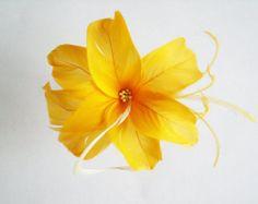 Plume Fascinator - fleur plume jaune - cheveux Bridal fleur de plume