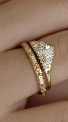 If I was into yellow gold, and was choosing rings again, I'd love this Ring Set, I Love Jewelry, Jewelry Rings, Fine Jewelry, Jewelry Box, Vintage Jewelry, Rings N Things, Beautiful Rings, Ring Designs