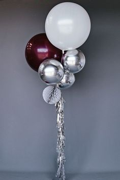 Green instead of burgundy! Balloon Set : Silver Burgundy - But I want the two large balloons to be in Burgundy and Coral with the other balloons in gold Balloon Bouquet, Balloon Garland, Balloon Decorations, Birthday Decorations, Balloon Ideas, Festa Party, Diy Party, Grad Parties, Birthday Parties