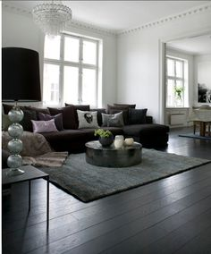 Livingroom. Love the round table