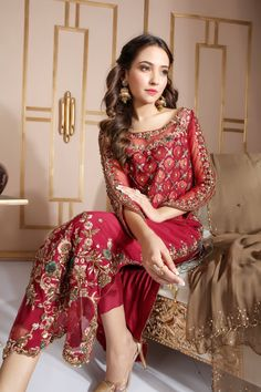 Newest Pictures Bridal Dresses asian Popular Whether you have been dreaming of wedding ceremony dress considering that you had been 5 and have in Shadi Dresses, Pakistani Formal Dresses, Pakistani Party Wear, Pakistani Wedding Outfits, Pakistani Dress Design, Pakistani Designers, Pakistani Shadi, Pakistani Designer Clothes, Pakistani Clothes Online