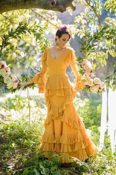 Trajes de flamenca 2019. Colección 2019. Sueña Primaveras Party Wear Dresses, Prom Dresses, Flamenco Costume, Long Skirt Outfits, Dress Indian Style, Dresses Kids Girl, Wedding Pics, Indian Fashion, Designer Dresses