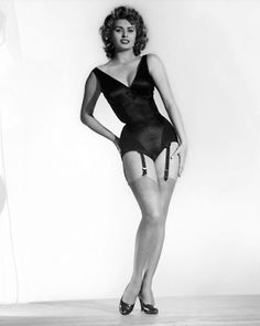 What do people think of Sophia Loren? See opinions and rankings about Sophia Loren across various lists and topics. Sophia Loren, Hollywood Stars, Classic Hollywood, Old Hollywood, Divas, Brigitte Bardot, Trash Film, Carlo Ponti, Gina Lollobrigida