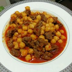 Chickpeas with meat - Pratik Etli Nohut - Turkish recipes - türkisch essen -You can find Chickpeas and more on our website. Turkish Recipes, Ethnic Recipes, Turkish Kitchen, Naan Recipe, Egyptian Food, Ramadan Recipes, Mouth Watering Food, Vegan Meal Prep, Make Ahead Meals