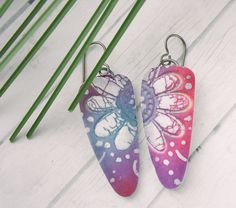 Polymer Clay Earrings Dagger Shape featuring Bohemian Blue, Magenta and Purple Batik Flower Beach Design Polymer Clay Ornaments, Polymer Clay Canes, Fimo Clay, Handmade Polymer Clay, Ceramic Clay, Polymer Clay Earrings, Paper Jewelry, Jewelry Crafts, Enamel Jewelry