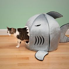 The Shark! and 30 other DIY or places to buy neat cat caves