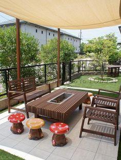伊賀市 人工芝とBBQのできるお庭   東万 Outdoor Fun, Outdoor Dining, Outdoor Decor, Garden Furniture, Outdoor Furniture Sets, My Ideal Home, Terrace Design, Grill Design, Outside Living