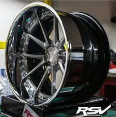 Love that mirror finish Rims For Cars, Rims And Tires, Wheels And Tires, Truck Rims, Truck Wheels, Car Rims, Deep Dish Rims, E46 Cabrio, Black Chrome Wheels
