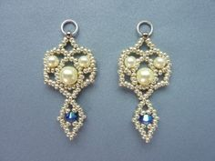 FREE beading pattern for Royal Lace Earrings - BeadDiagrams.com