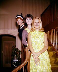 Elizabeth Montgomery, Marlo Thomas and Judy Carne