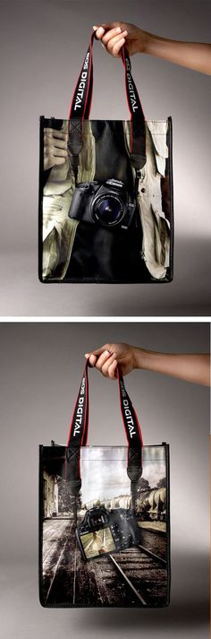 Great combination of a bag design using the handles as part of the motif: