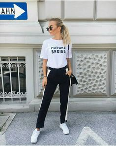 Trend to watch: Side Stripe Pants – Jogginghosen, stripe sweatpants, stripe pants buttons, stripe pants combine
