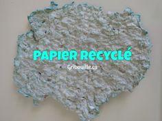 Papier recyclé - activité sensorielle pour enfants par Gribouille éducatif Crochet Hats, Recycling Bins, Sensory Activities, Children, Paper, Knitting Hats