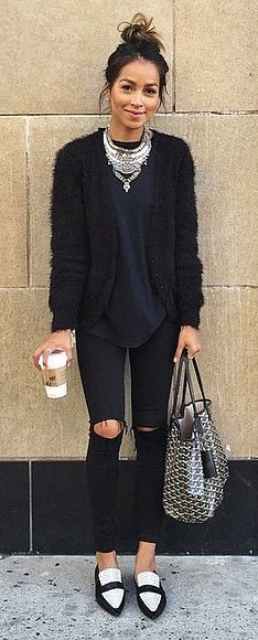 31 Easy Black Outfits That Will Speak to Your Soul