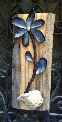 Beach Themed Crafts, Sea Crafts, Diy Resin Crafts, Diy Arts And Crafts, Seashell Painting, Seashell Art, Seashell Crafts, Beach Keepsakes, Colchas Quilt