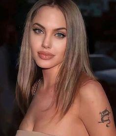 Angelina Jolie Blonde, Angelina Jolie Young, Angelina Jolie Makeup, Angelina Jolie Tattoos, Gigi Hadid Makeup, Beautiful Eyes, Beautiful Women, Honey Blonde Hair, Celebrity Stars