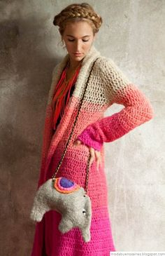 This Pin was discovered by arz Crochet Coat, Crochet Jacket, Crochet Cardigan, Crochet Clothes, Crochet Sweaters, Crochet Designs, Crochet Patterns, Moda Crochet, Estilo Hippie