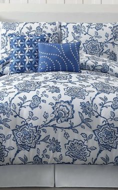Oooh I love this quilt cover!! ....Like I really need anymore bed sheets to add to the collection :) (Wayfair)