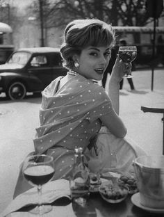 1957, Paris. Photo by Loomis Dean (B1917-D2005)
