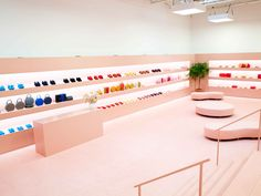 Mansur Gavriel Introduces Shoes and New Bag Shapes at First Fashion Week Presentation - Fashionista