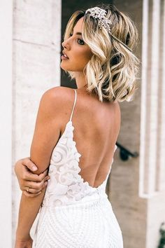 In addition to finding your bridal gown, wedding hairstyles search one of the most exciting parts of planning your wedding day can look. # # brides for vintage medium length wedding hairstyle 2 Short Wedding Hair, Wedding Hair Down, Wedding Hair And Makeup, Bride With Short Hair, Loose Hairstyles, Wedding Hairstyles, Layered Hairstyles, Hairstyles Haircuts, Medium Hair Styles