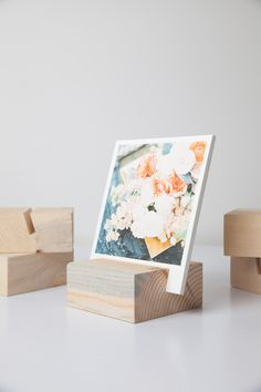 Dress up your desk. Print photos & flip a photo each day for instant gratitude. // Woodblock + Print set #givingthanks