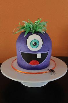 Harry Halloween Cakes, Happy Halloween, School Carnival, Wafer Paper, Edible Art, Fondant, Crafty, Monster Cakes, Desserts