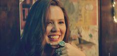 Carla [+] ♪ (@CarliStechina) | Twitter Jesse Joy, Famous Women, Lesbian, Hairstyles, Twitter, Vegetable Garden, Singers, People, Haircuts