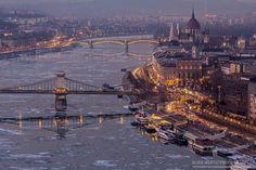Mervai Márk Hungary, Budapest, New York Skyline, Marvel, Places, Lugares