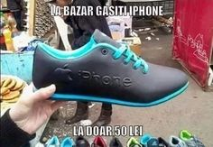 In China anything is possible. Now you can wear your own iPhone sneakers. Best Funny Photos, Funny Images, Funny Pictures, New Iphone 6, Phan, Just For Fun, Videos Funny, Hunter Boots, Rubber Rain Boots