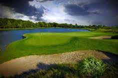 The 15th hole at Noble Hill Golf Links in Kendallville, Ind., is a place of great beauty beneath a late summer sky.