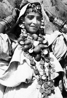 From a portfolio of prints by Jean Besancenot, documenting the costumes and jewellery worn by the women in the Anti Atlas, Middle Atlas and High Atlas region.  ca. 1950s/60s.