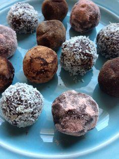 Simply Decadent Raw Chocolate Truffles  Recipe: http://crunchyliving.net/ws/simply-decadent-raw-chocolate-truffles/  #rawfood #rawvegan #rawfoodrecipe #rawfooddiet #rawfoodshare #rawveganrecipes #rawvegandessertrecipes #vegan #veganrecipe #veganfoodshare
