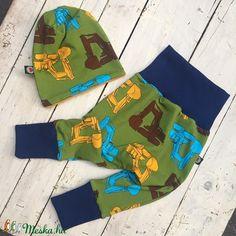 Bélelt mosipelusos nadrág (szamoca) - Meska.hu Hermes Oran, Sandals, Fashion, Bebe, Moda, Shoes Sandals, Fashion Styles, Fashion Illustrations, Sandal