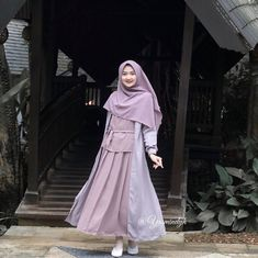 List of Trends in Muslim Teenager Clothes This Month scar Dress Muslim Modern, Muslim Long Dress, Casual Hijab Outfit, Hijab Chic, Hijab Fashion, Fashion Outfits, Moslem Fashion, Islamic Clothing, Beautiful Hijab