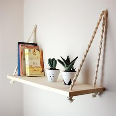 This style of shelves for stuffed animals? Arty Bedroom, Bedroom Decor, Cute Diy Room Decor, Diy Home Decor, Hanging Shelves, Floating Shelves, Deco Tv, Massive Holzregale, Solid Wood Shelves