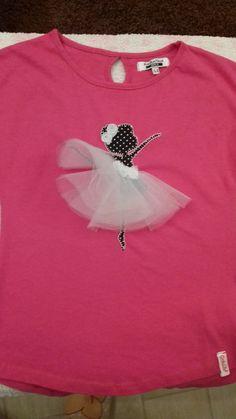 Le creazioni di Simona Girl Dress Patterns, Doll Clothes Patterns, Clothing Patterns, Fabric Paint Shirt, T Shirt Painting, Baby Girl Dresses, Baby Dress, Floral Prom Dresses, Designs For Dresses