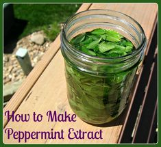 In order to make homemade peppermint, one needs to harvest a bunch of mint leaves from mint plants. Remove mint leaves from stalks and pack into measuring Herbal Remedies, Home Remedies, Natural Remedies, Do It Yourself Food, Mint Extract, Lemon Extract, Smoothie, How To Make Homemade, Natural Life